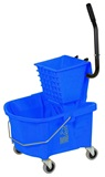 26 quart bucket with side press wringer